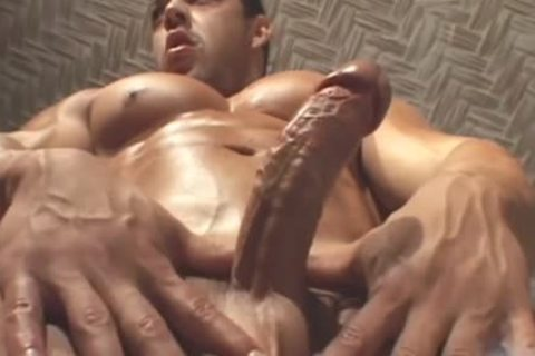 Bodybuilder Muscle Worship 2